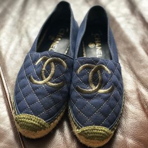 Auth. Chanel Navy Blue & Green Canvas espadrilles